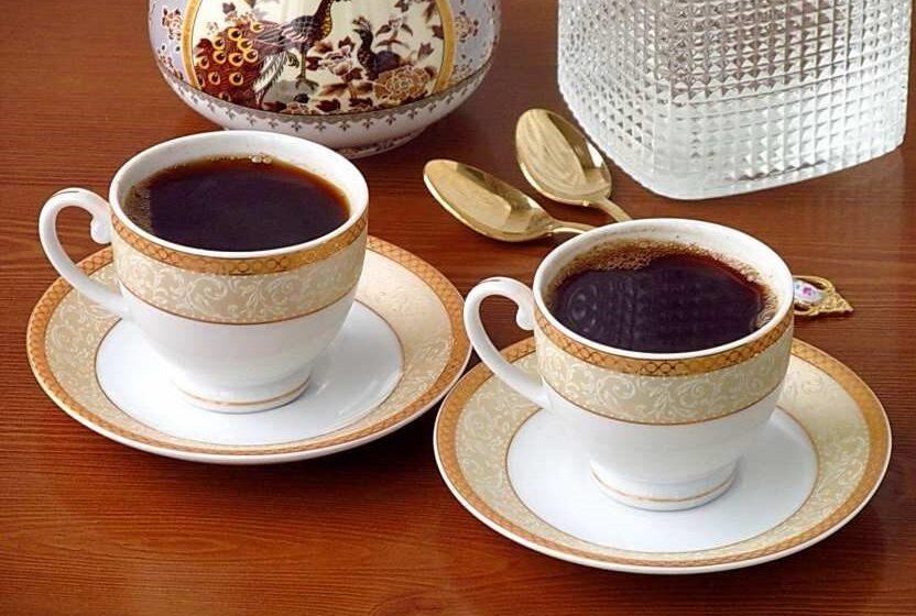 Как правильно употреблять кофе в жаркую погоду?
