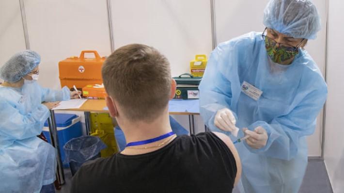 Больше двух миллионов наших соотечественников вакцинировались от COVID-19