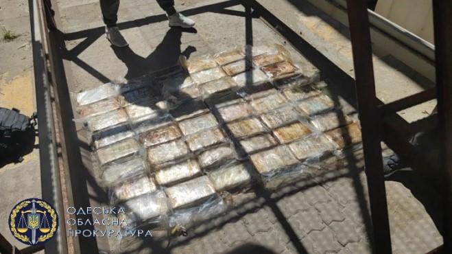 Новая партия кокаина общей стоимостью более 10 млн. долларов была найдена в Одесской области